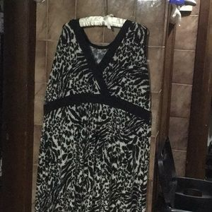Dresses & Skirts - Sleeveless Animal Print Maxi Dress